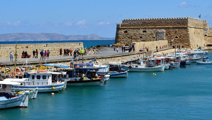 Heraklion 5,000 YEARS OF HISTORY AND THE GATEWAY TO CRETE