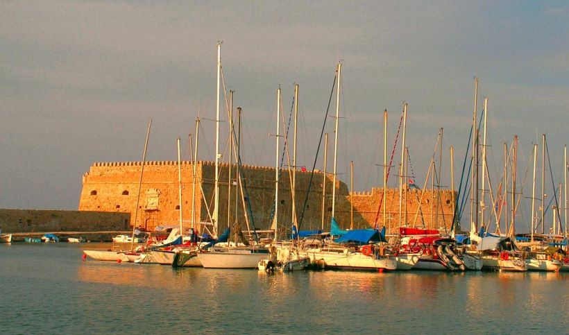 The-Venetian-Harbor-from-Heraklion